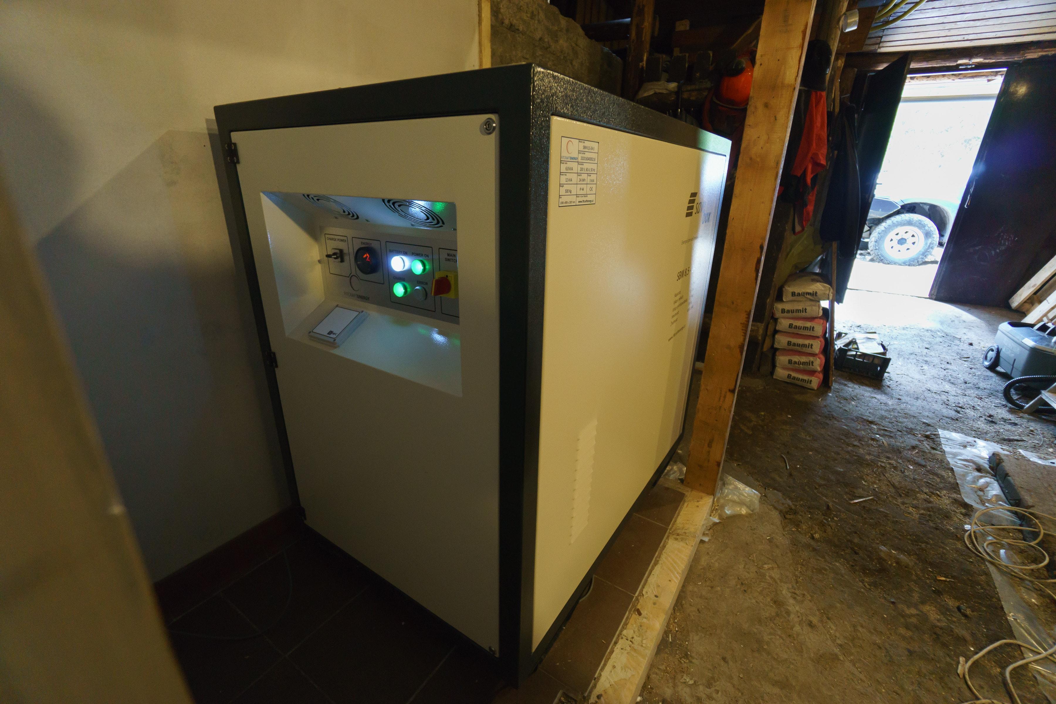 Brnčála instalace SaveBox-M-57-min
