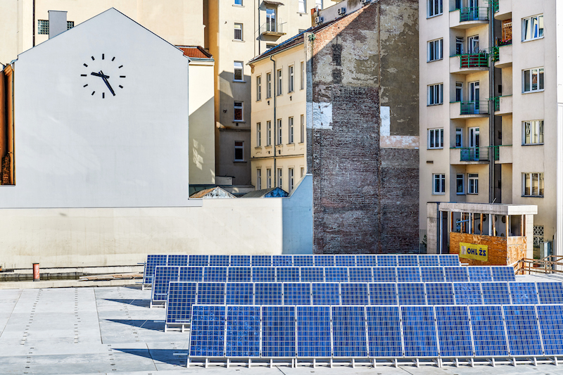 The exhibition of the finalists of the Jindřich Chalupecký Prize will be powered by energy from solar panels
